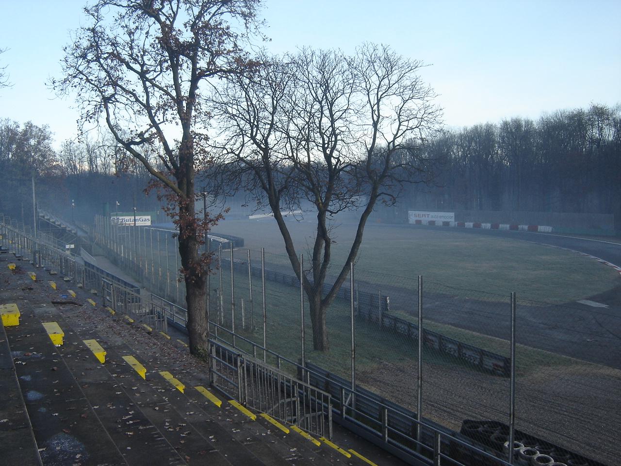 Circuito Ascari : Autodromo di monza tribuna ascari